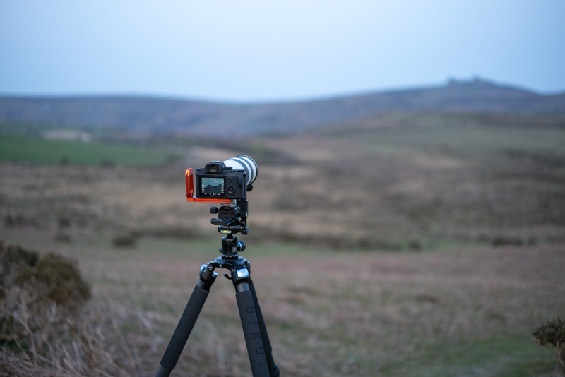 Setting up the tele stabilising bracket to capture the moonrise over Haytor at 800mm